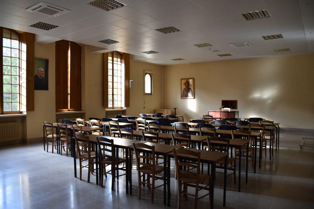 Salles de conférence, suite